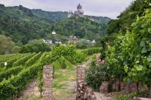 Eingang zum Apolloweg – Blick auf die Reichsburg Cochem