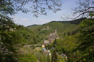Sie prägen die Szenerie: die Manderscheider Burgen