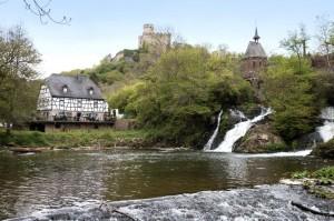 Burg Pyrmont, Pyrmonter Mühle und Wasserfall