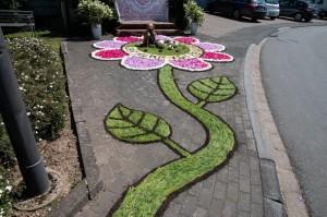 Fronleichnamsprozession in Laufeld - Blumenteppiche
