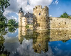 Burg Veynau