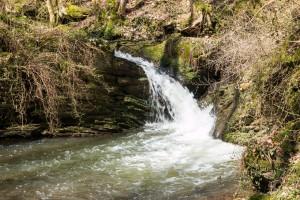 Der Wasserfall des Brohlbaches (Höhe: 4 m; Hauptfall: 2 m)