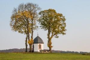 Die St. Jodokus-Kapelle im Herbst