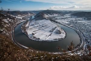 Der Blick vom Calmont auf die Mosel im Winter
